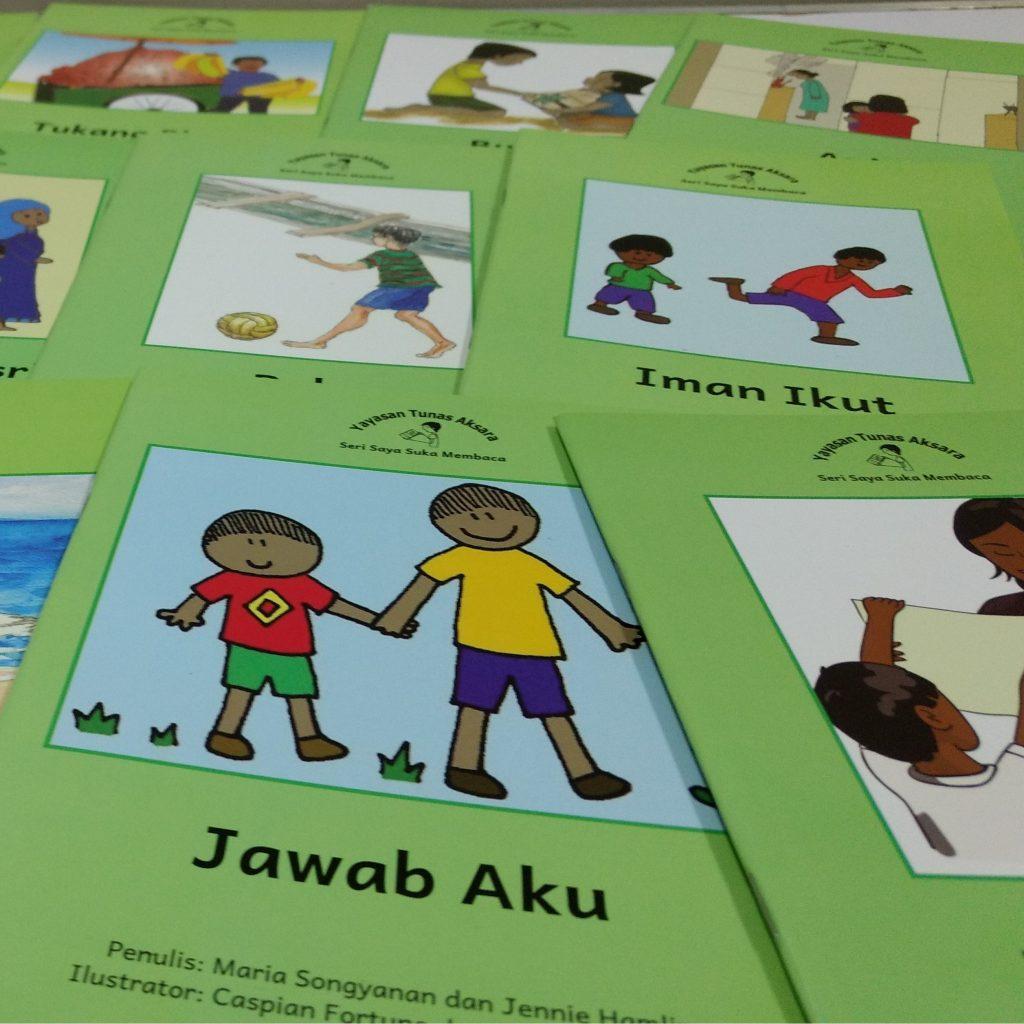 Beli buku cerita untuk mengajar anak membaca 3